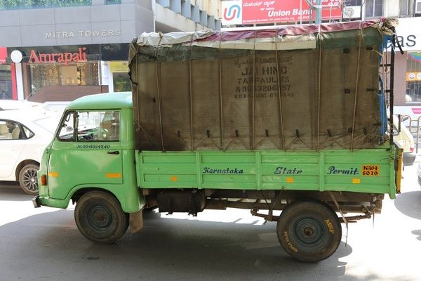 green-truck-the-side-view