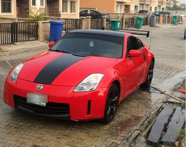 The sporty Nissan 350Z I sell for my friend