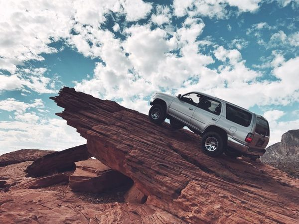 toyota-car-running-up-the-cliff