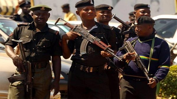 image-of-Nigerian-police-n-manhunt-after-a-fleeing-commercial-bus-driver-that-crushed-a-policeman