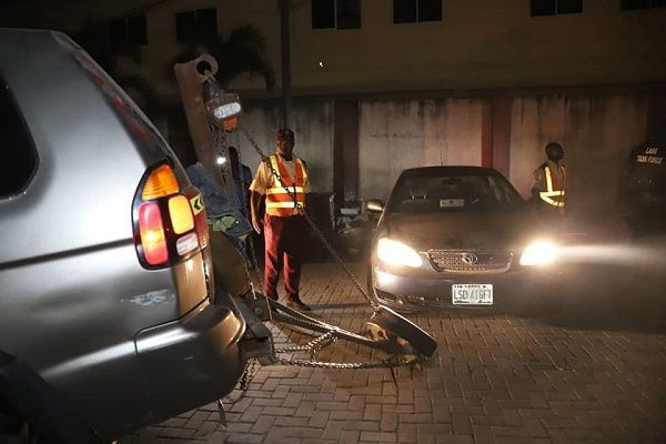 Ikoyi-VI-cleanup-operation-in-the=night