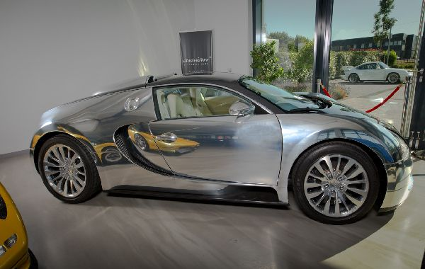 side-of-the-Bugatti-Pur-Sang