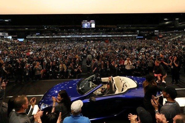 image-of-first-ever-lexus-lc-500-convertible-auction-