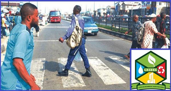 Pedestrians-crossing-Lagos-highway