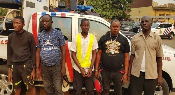RRS-arrests-5-suspects-extorting-motorists-with-POS-machine-in-Lagos