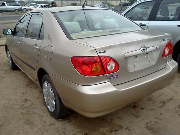 Toyota-Corolla-2004