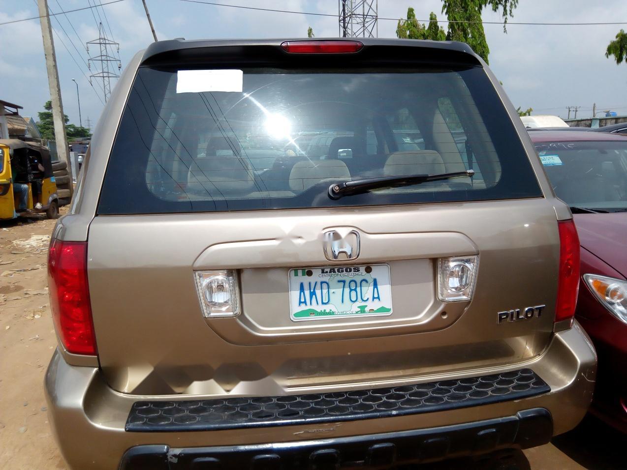 Nigeria Used Honda Pilot 2002 Model Gold