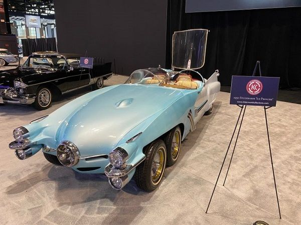 image-of-xf58-princess-at-chicago-auto-event
