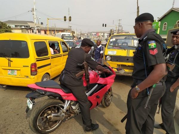 nigeria-police-on-power-bike