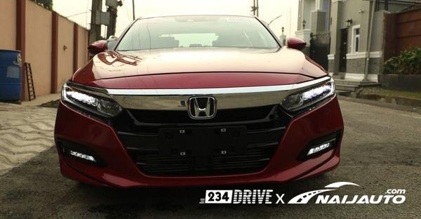 Honda-Accord-2018-chrome-grille