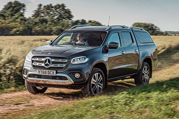 Mercedes-Benz-X-Class-running-on-the-country-road