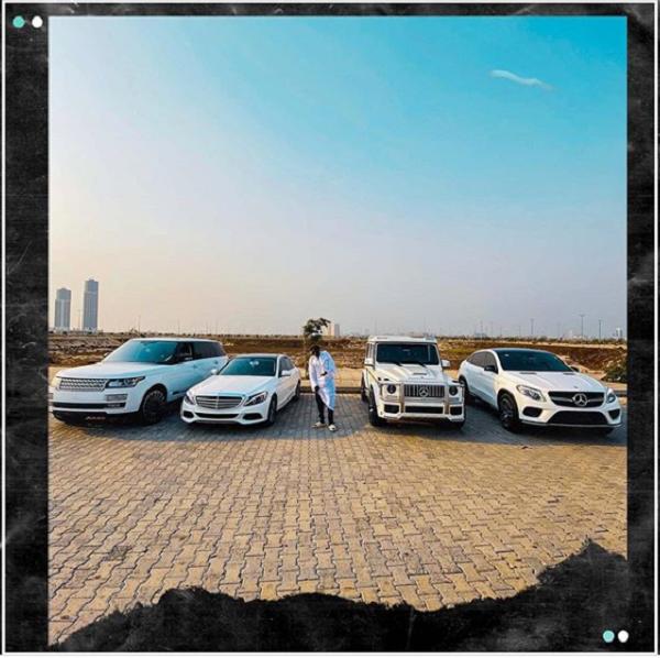 zlatan-posing-beside-his-luxurious-cars