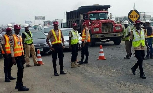 FRSC-officials-controlling-traffic