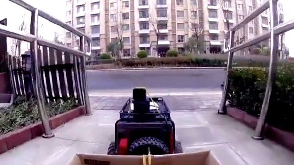 image-of-chinese-woman-uses-remote-car-to-deliver-food