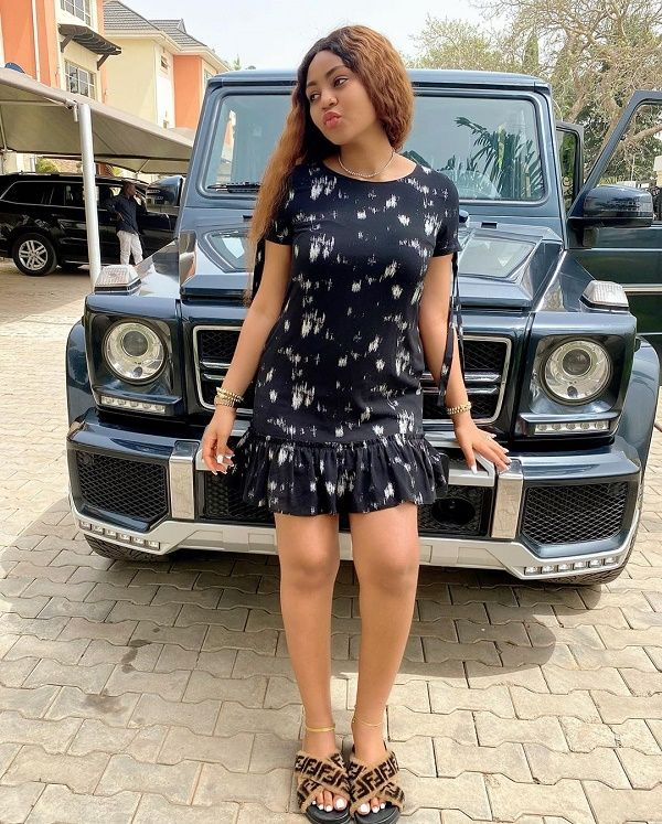 Regina-Daniels-poses-with-Mercedes-benz-g-wagon