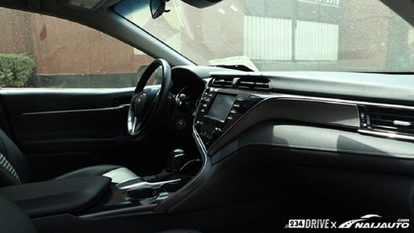 cabin-of-toyota-camry-2018
