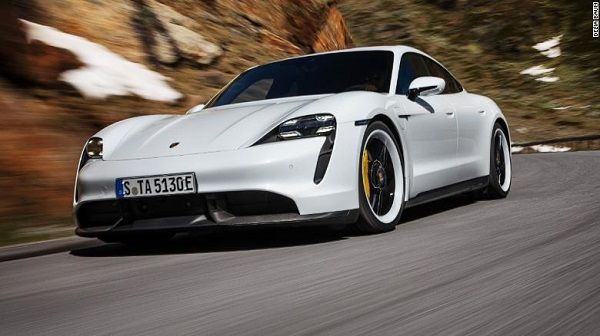 image-of-bill-gates-acquires-porsche-taycan-electric