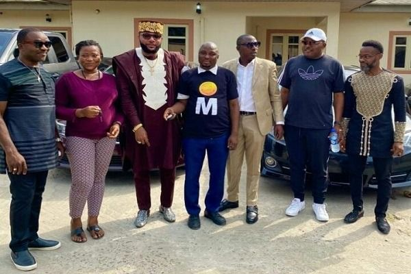 image-of-emoney-car-gifts-birthday-to-five-star-group-staff