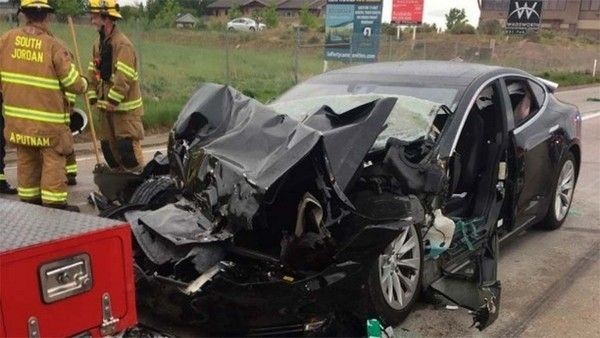 tesla-autopilot-car-crash