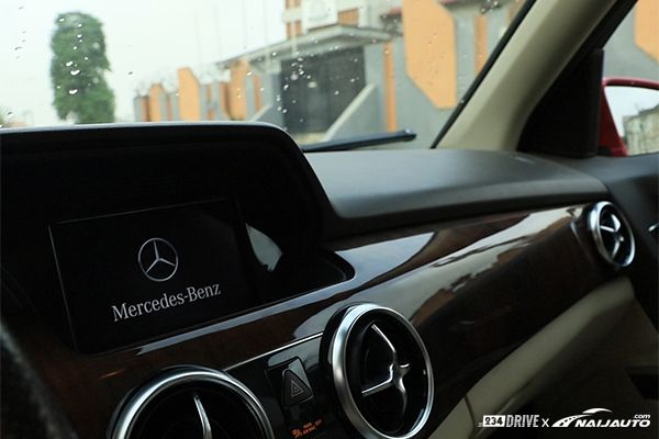 COMMAND-system-on-a-Benz-GLK
