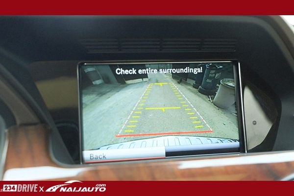 Reverse-camera-on-the-Mercedes-GLK