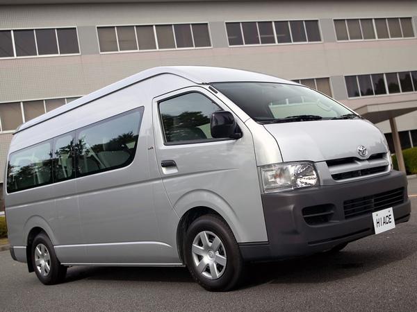 toyota-hiace-bus