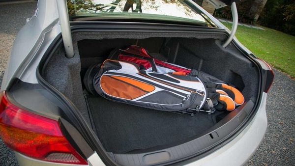 chevrolet-impala-2014-trunk-space