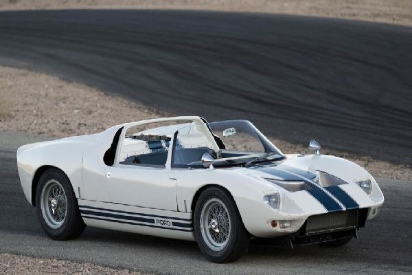 1965-ford-gt40-roadster-prototype