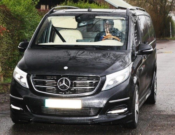 Paul-Pogba-Mercedes-Benz-V-Class