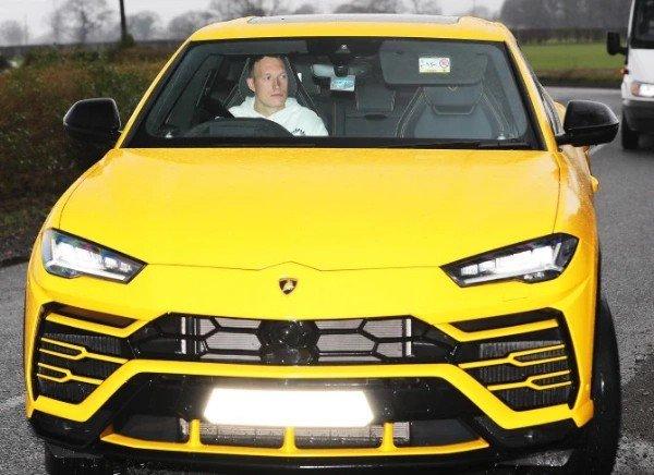 Phil-Jones-Lamborghini-Urus-SUV
