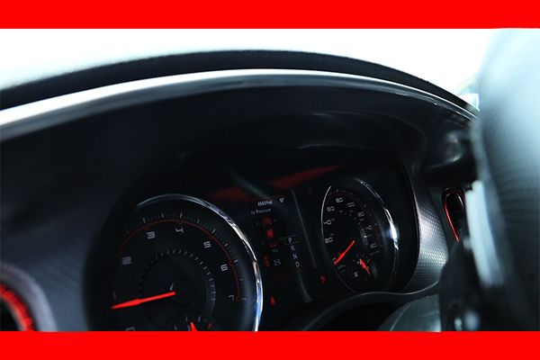 Instrument-cluster-of-a-2014-Dodge-Charger-R/T