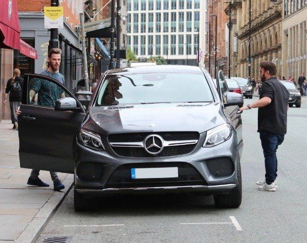 David-De-Gea-and-teammate-Juan-Mata-spotted-with-Mercedes-GLE-SUV