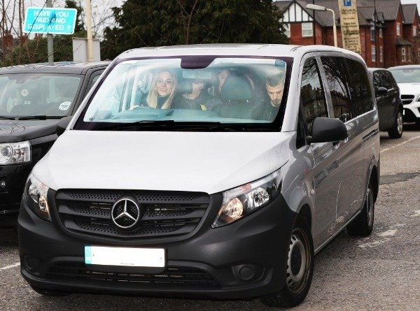 David-De-Gea-spotted-in-his-Mercedes-V-Class-with-wife