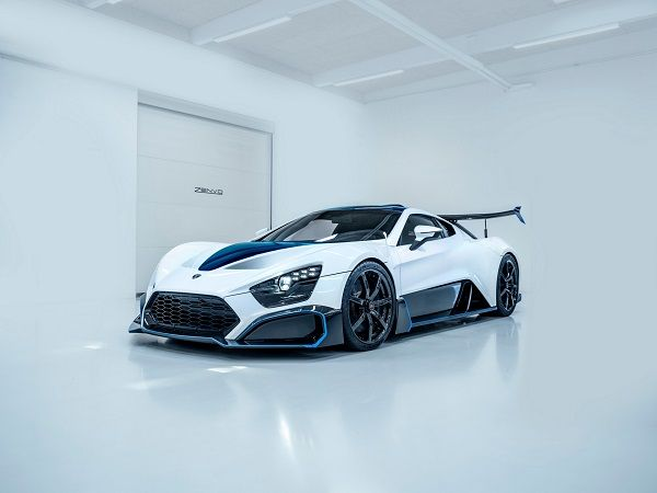 image-of-/zenvo-latest-tsr-s-hypercar-front-view