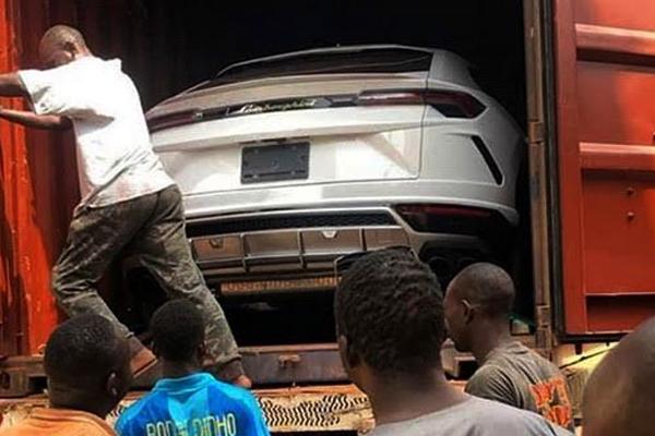 A-Lamborghini-Urus-in-a-Nigerian-port
