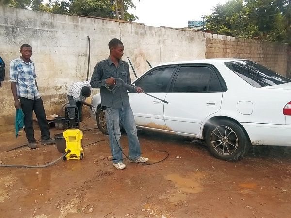 car-wash-with-operators