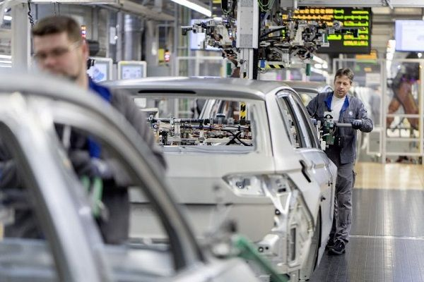 image-of-volkswagen-ends-production-amidst-coronavirus-scare