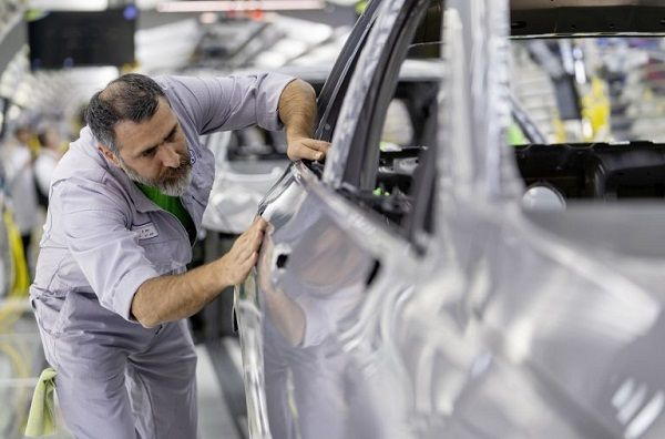 image-of-volkswagen-stops-European-plants-production-to-curb-coronavirus
