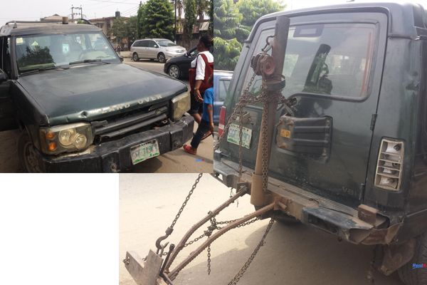 Land-Rover-LR-used-as-towing-truck-in-Nigeria.