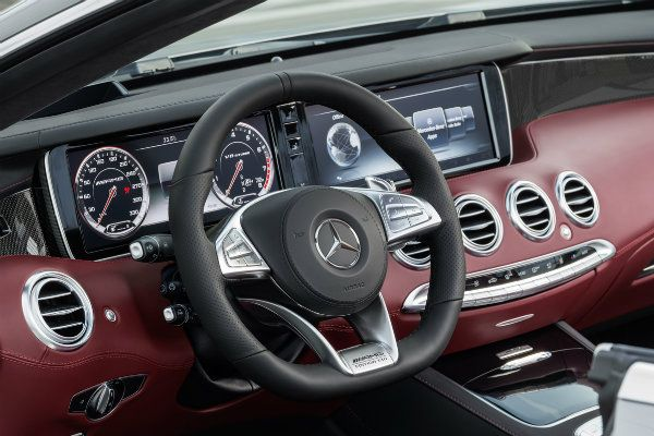 The-infotainment-system-on-a-Benz-S63-AMG-Coupe-and-Brabus-760-Coupe