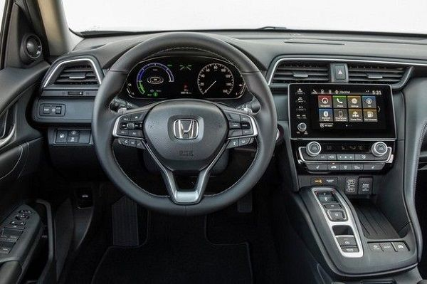 2021-Honda-Insight-cockpit