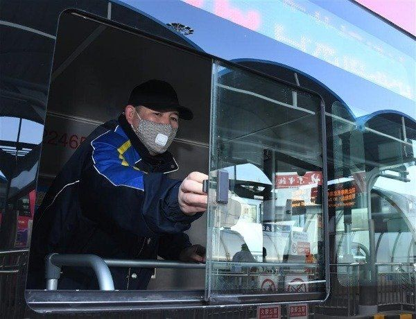 image-of-chinese-cleans-bus-interior-against-coronavirus