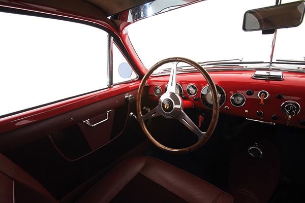 Inside-the-Maserati-A6