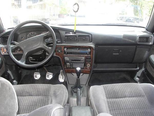 1991-Toyota-Corona-Interior-View