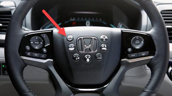 Hilarious-Honda-Emoji-horn-buttons