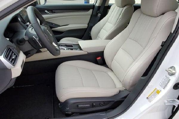 2020-Honda-Accord-Front-Seat