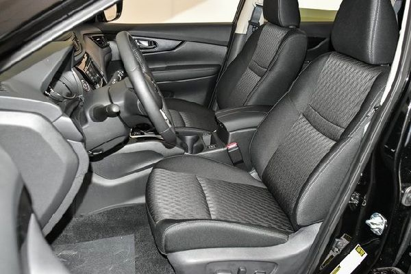 nissan-rogue-front-seat