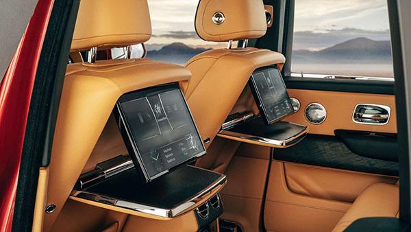 The-inside-of-the-2020-Rolls-Royce-Culinan