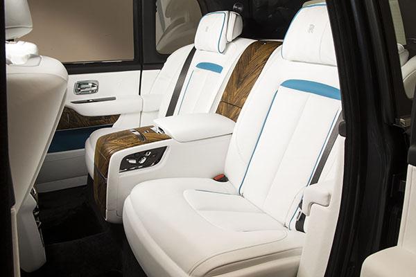 Rear-seat-of-the-Rolls-Royce-Culinan.