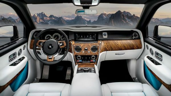 The-interior-of-the-Rolls-Royce-Culinan